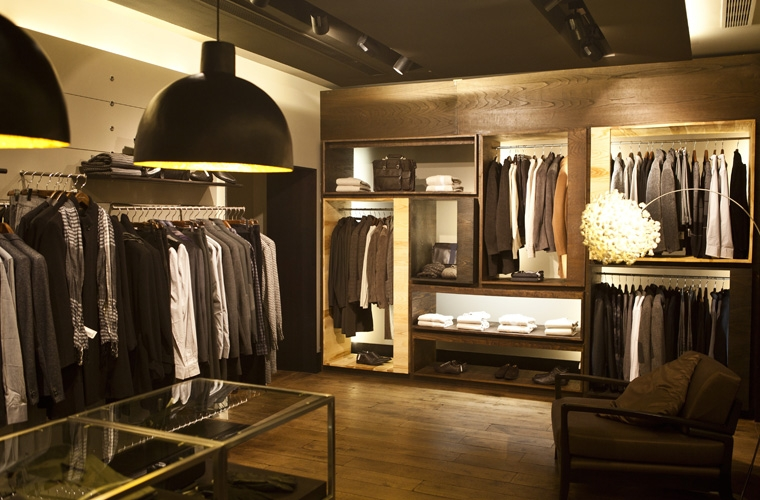 Ad stores paris for Tiendas adolfo dominguez valencia