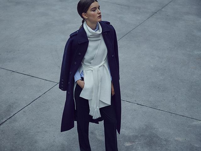 Abrigo azul largo con botones dobles  - Abrigos de invierno AD Mujer - Adolfo Dominguez Online