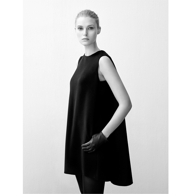 Black dresses Turtleneck - clutch and accessories - Fall Winter - AD WOMAN Adolfo Dominguez