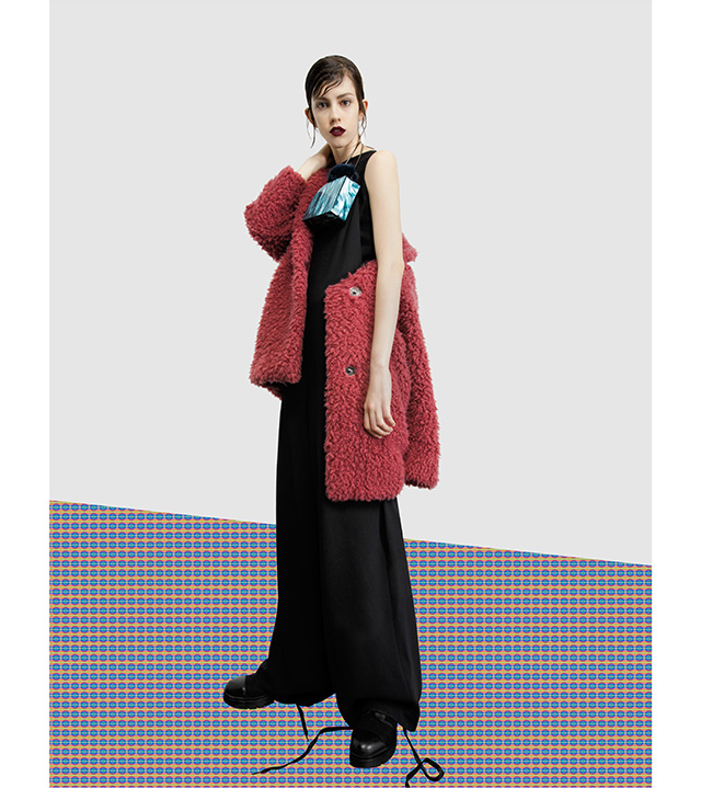 Long dress – fashion coat – exclusive clucth - Fall Winter season - U WOMAN Adolfo Dominguez